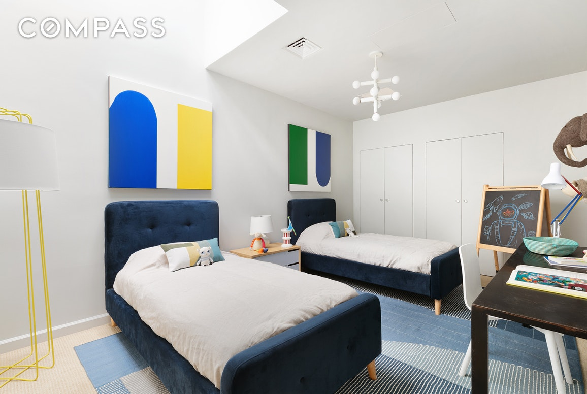 163 East 70th Street Interior Photo
