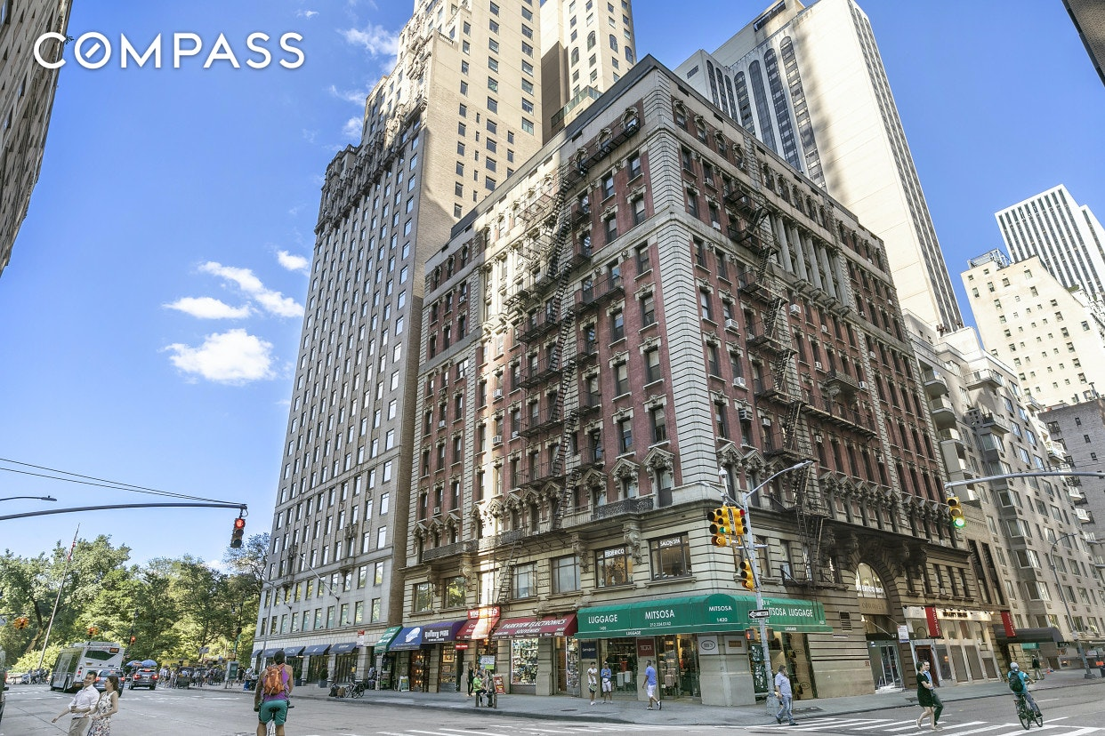 57 West 58th Street Midtown West New York NY 10019