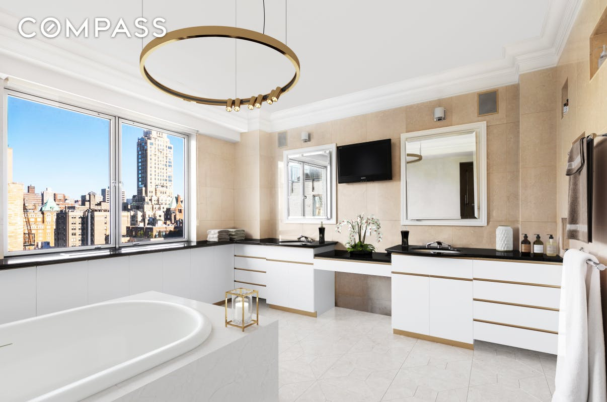 923 Fifth Avenue 17-CD Upper East Side New York NY 10021